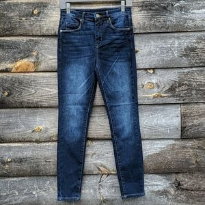 NWOT Blank NYC Crybaby Skinny Stretch HiRise Jeans
